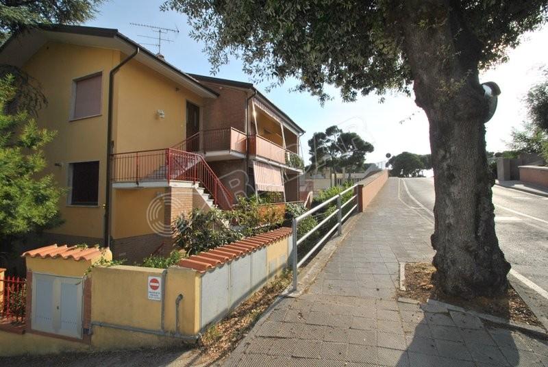 Castiglioncello  Appartamento in quadrifamiliare con terrazza