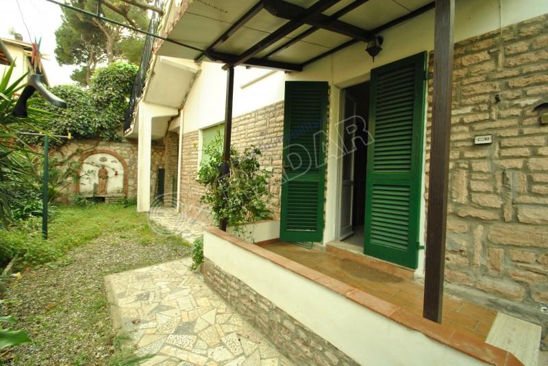 Castiglioncello  Appartamento 150 mt dal mare, con giardino