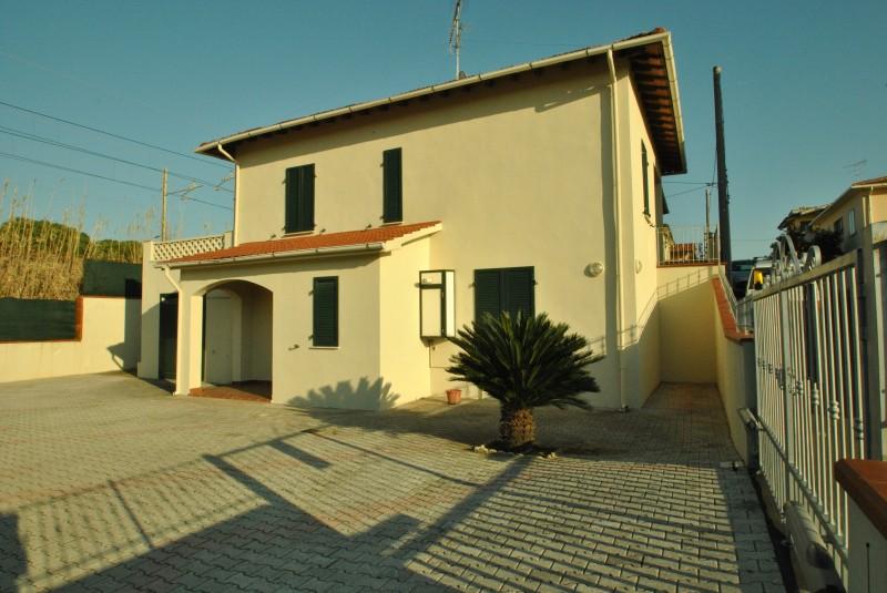 Castiglioncello  Villetta/Villa singola - 150 mt dal mare