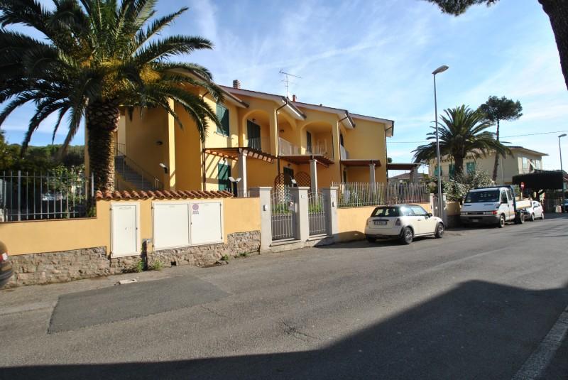 Castiglioncello  Trilocale di nuova costruzione con terrazza e posto auto
