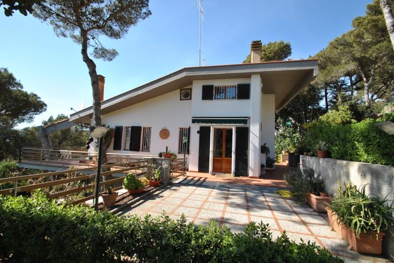 Quercianella  Villetta/Villa singola - Quercianella