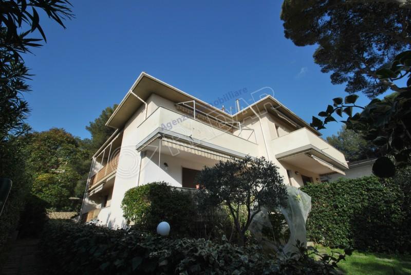 Castiglioncello  Trilocale In quadrifamiliare con giardino e terrazza vista mare