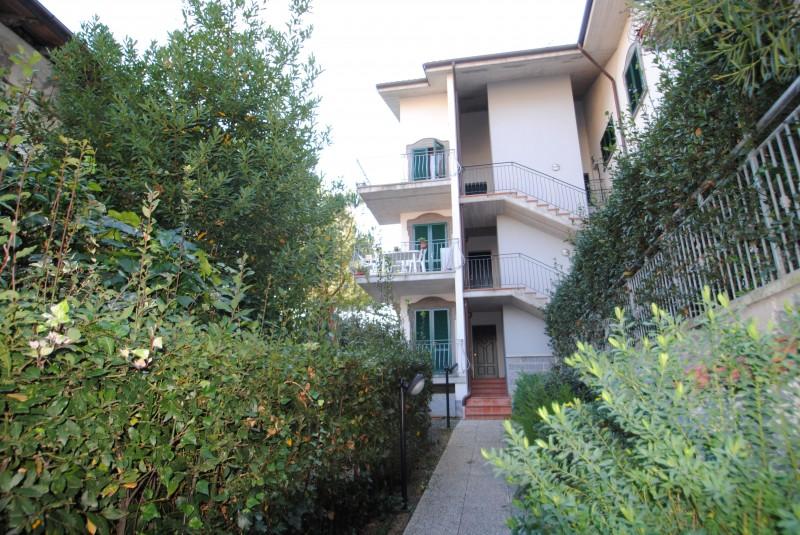 Castiglioncello  Bilocale con terrazza e giardino- 150mt dal mare