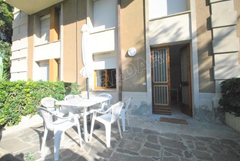 Castiglioncello  Trilocale al piano terra con giardino e doppi servizi