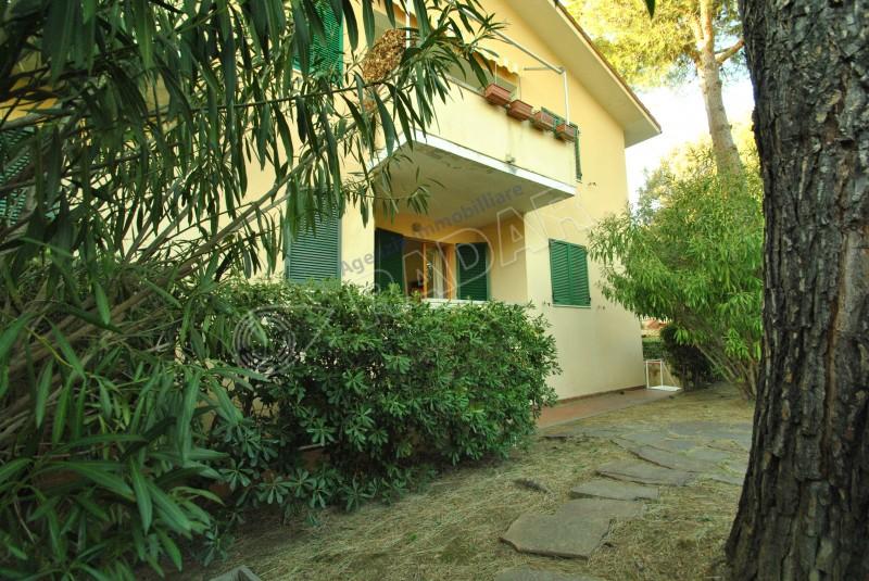 Castiglioncello  Appartamento in zona Spianate con giardino