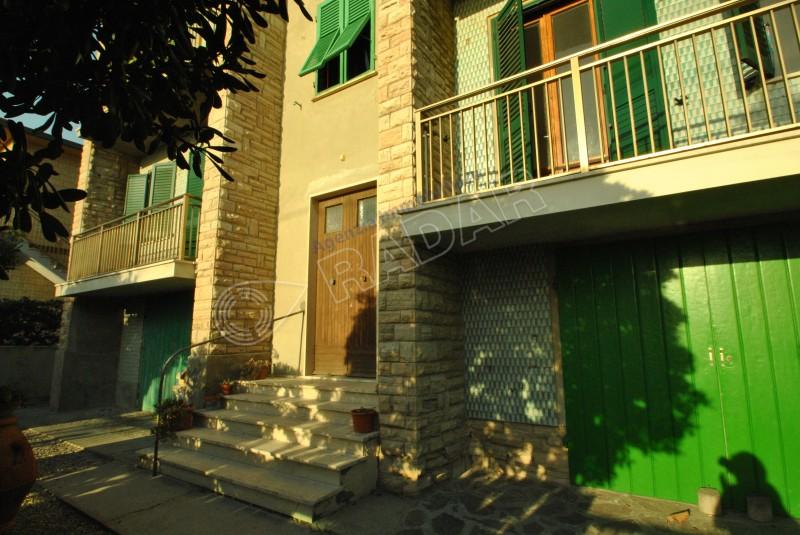Castiglioncello  Appartamento con doppio balcone vista mare