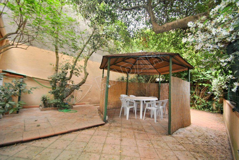 Castiglioncello affitto appartamento con giardino a 100 mt dal mare - Affitto casa con giardino ...