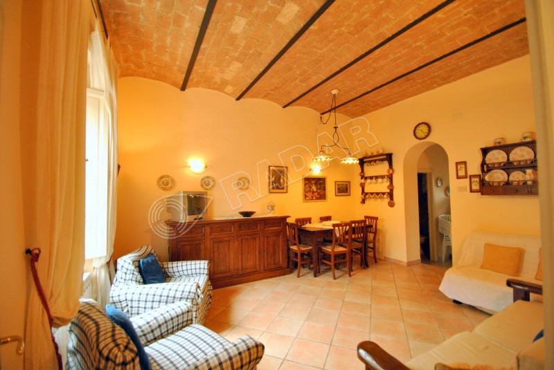 Castiglioncello  Appartamento con giardino a 100 mt dal mare
