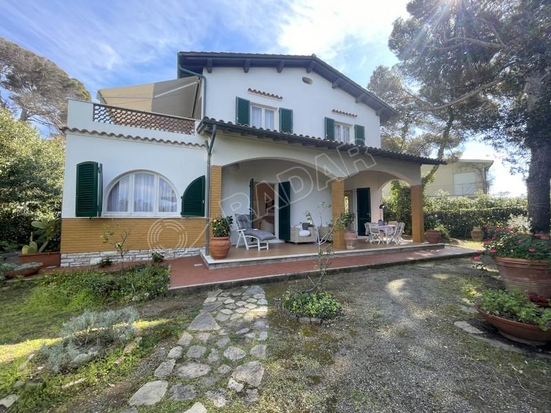 Castiglioncello  Villetta/Villa Villetta sul mare con ampio giardino (6 posti letto)