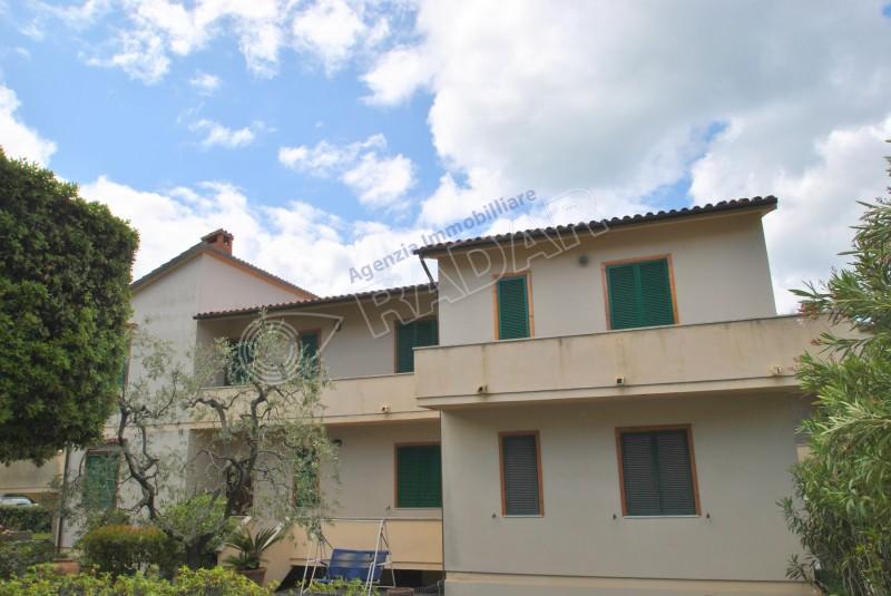 Castiglioncello  Appartamento in zona residenziale con 6 posti letto.