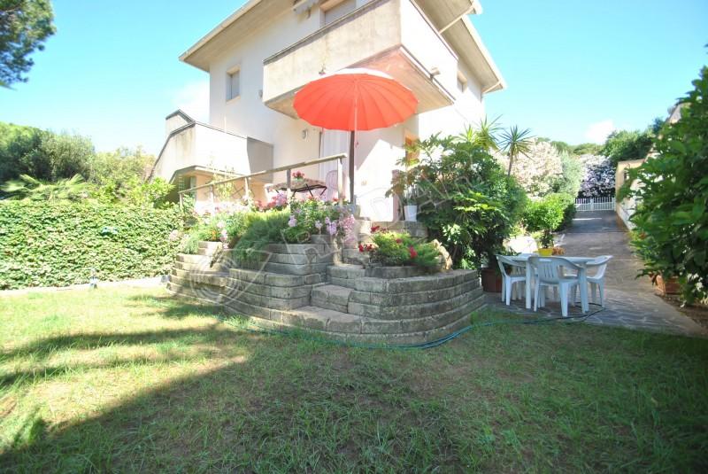 Castiglioncello  Appartamento  con giardino a 600mt dal mare