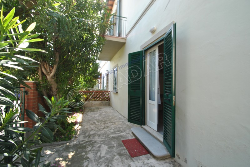 Castiglioncello  Appartamento indipendente al piano terra a 150 mt dal mare