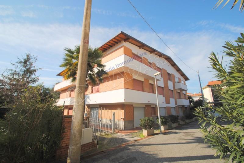Castiglioncello  Trilocale trilocale con balcone a 150 mt dal mare (4 posti letto)