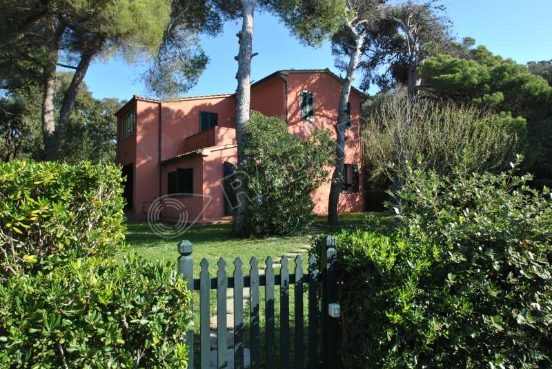 Castiglioncello  Villetta/Villa in parco secolare con scesa al mare