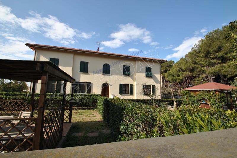 Rosignano Solvay  Appartamento indipendente con giardino a 250metri dal mare