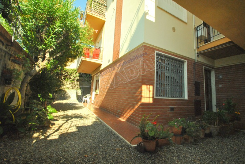 Castiglioncello  Appartamento spazioso con tre camere a 200 metri dal mare