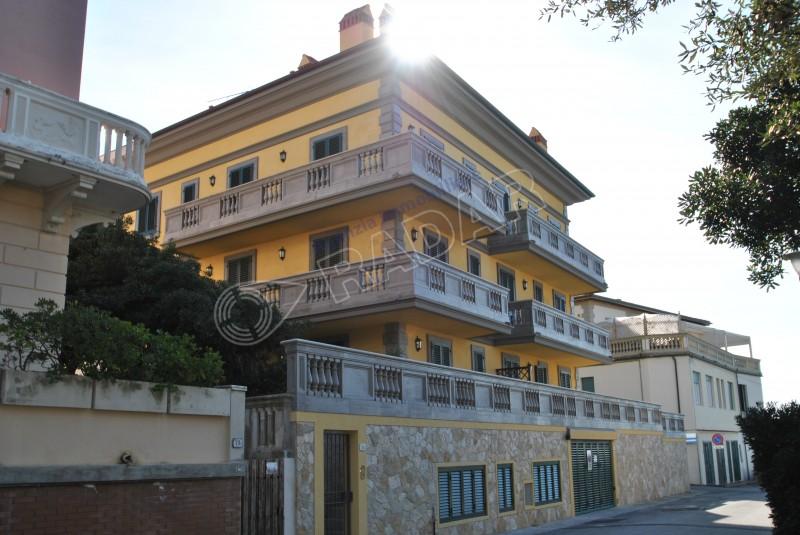 Castiglioncello affitto bilocale moderni appartamenti in for Foto appartamenti ristrutturati moderni