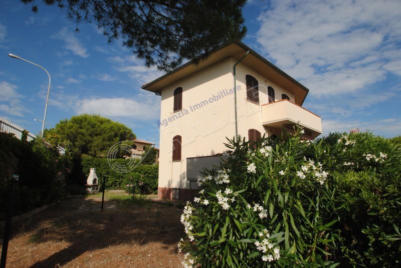Castiglioncello  Appartamento trilocale con giardino zona Spianate- Castiglioncello