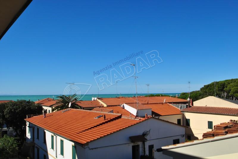 Castiglioncello  Trilocale a 200 metri dal mare con balcone