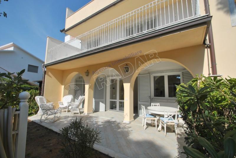 Castiglioncello  Appartamento COME NUOVO - con giardino a 30 metri dal mare