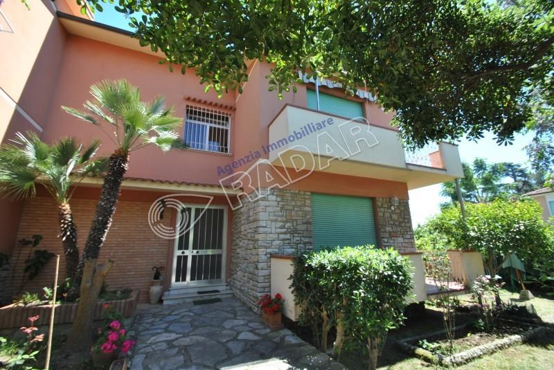 Castiglioncello  Appartamento con 6 posti letto a 400 metri dal mare