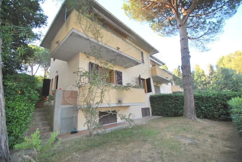 Castiglioncello  Appartamento al piano terra con giardino