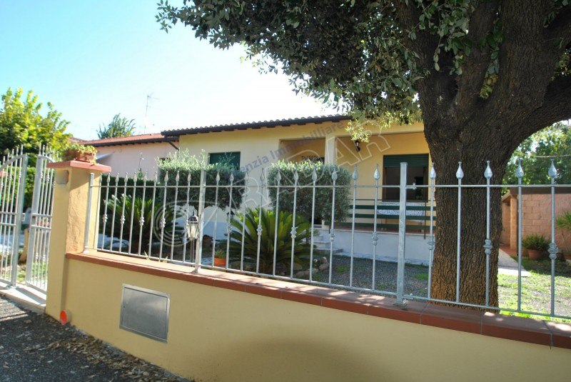Castiglioncello  Villetta/Villa independente con giardino a 300 metri dal mare