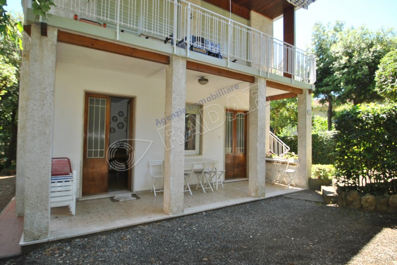 Castiglioncello  Appartamento con giardino a 40 metri dal mare