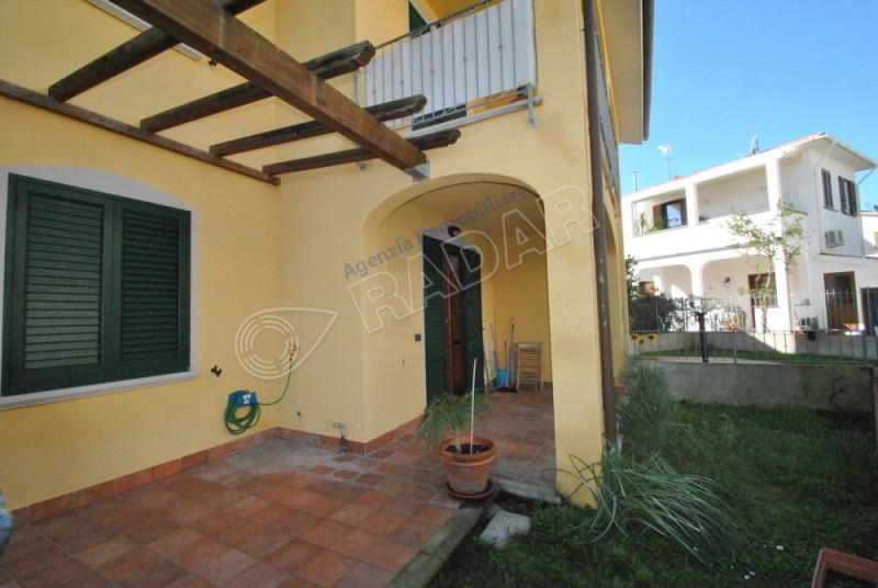 Castiglioncello  Bilocale con giardino e garage - AFFITTO ANNUALE