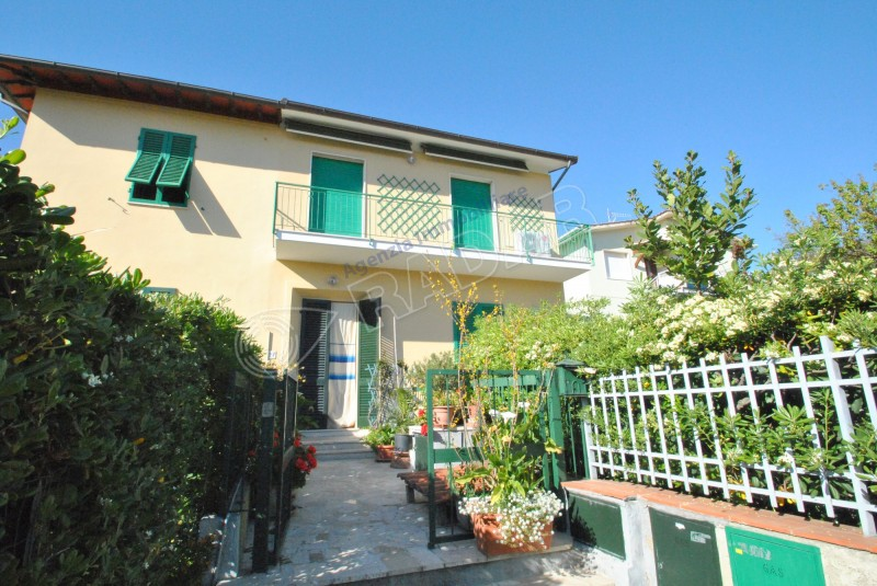 Castiglioncello  Apartment with balcony -300mt from the sea