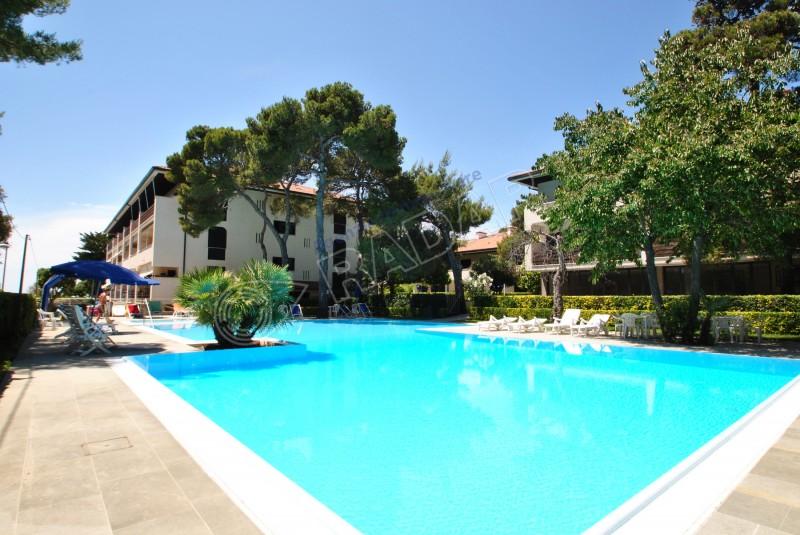 Castiglioncello  Appartamento in residence con piscina e scesa diretta al mare