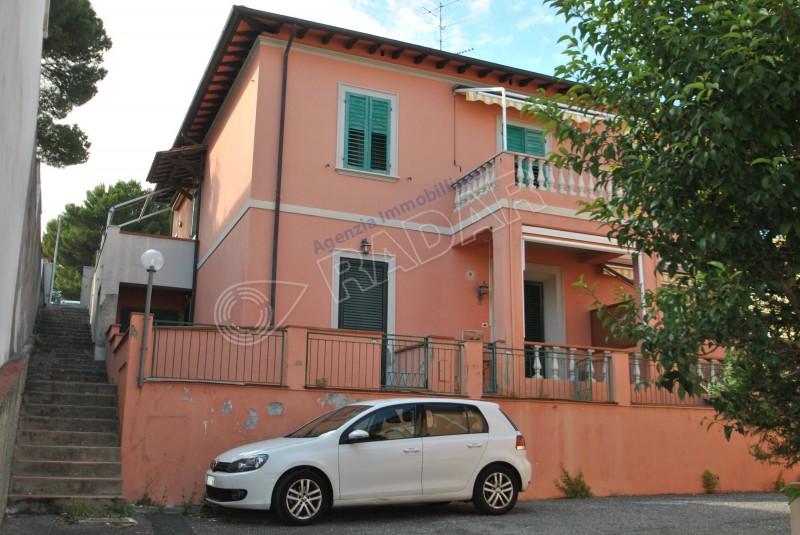 Castiglioncello  Appartamento indipendente con terrazza a due passi dal mare