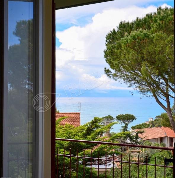 Castiglioncello  Appartamento con vista mare e giardino