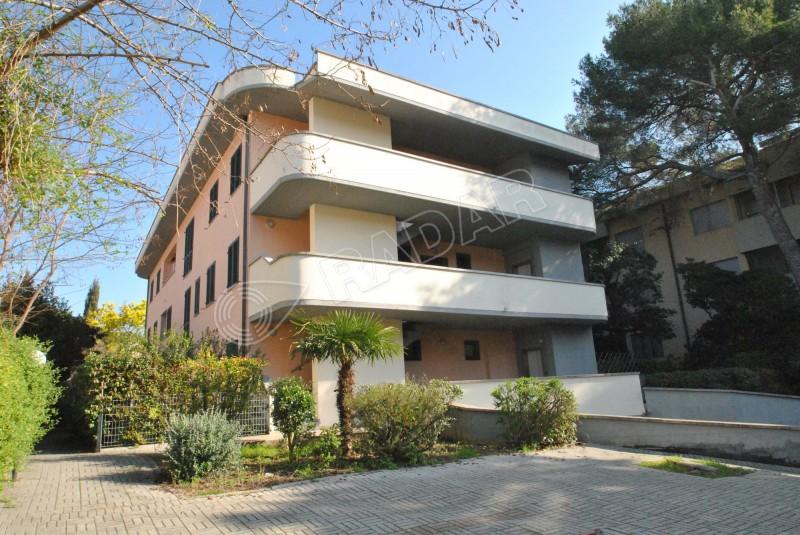 Castiglioncello  Bilocale al primo piano con garage a 100 mt dal mare