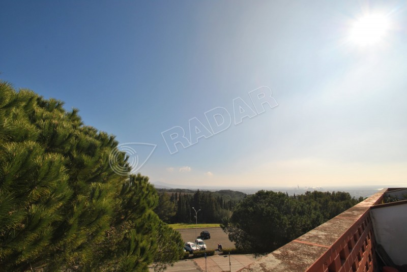 Castiglioncello  Bilocale zona collinare con terrazza/solarium e garage