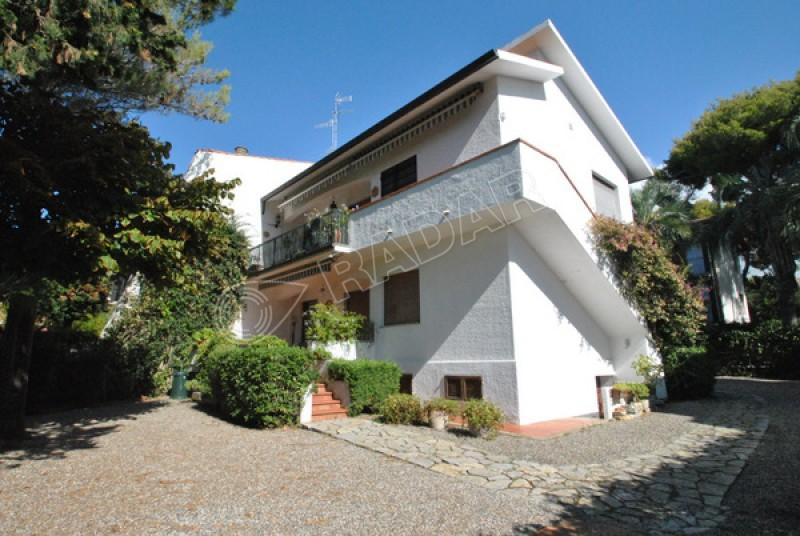 Castiglioncello  Appartamento  30 mt dal mare con terrazza