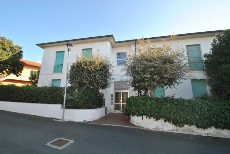Castiglioncello  Appartamento a 400 metri dal mare al primo piano con balcone