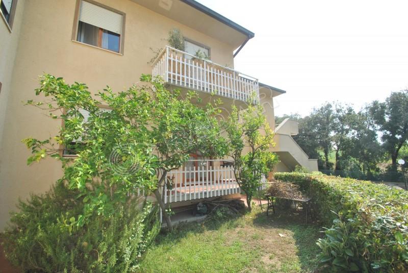 Castiglioncello  Appartamento trilocale con giardino in zona Caletta