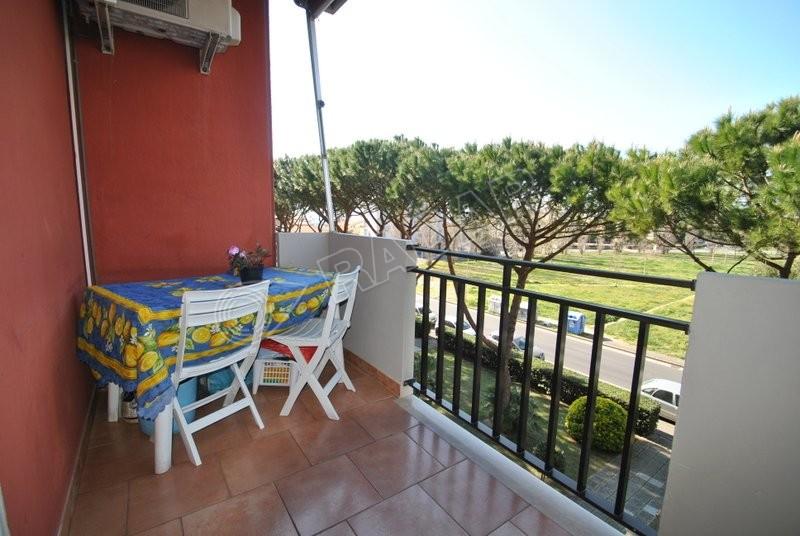 Rosignano Solvay  Appartamento mt 250 dal mare,con doppi servizi, terrazza pranzabile e posto auto