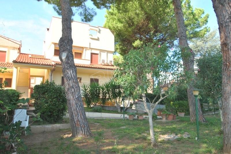 Castiglioncello  Villa on the 1st floor with garden and 2 terraces