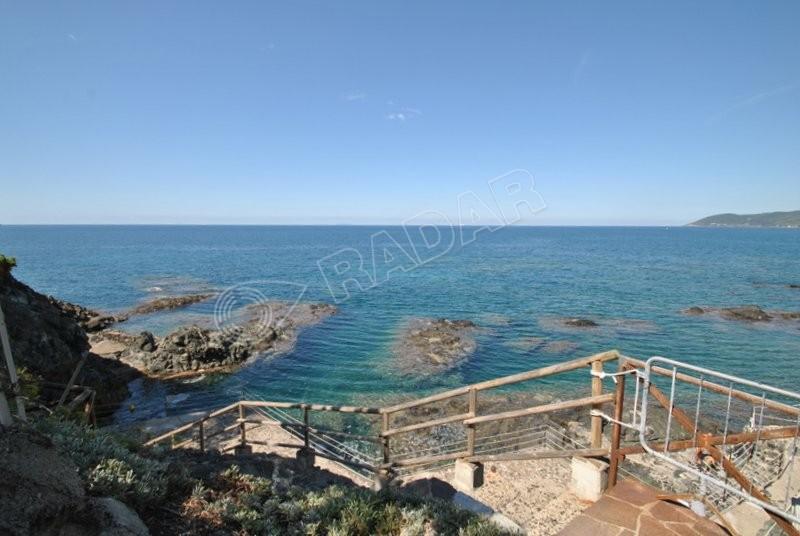 Castiglioncello  Ein-Schlafzimmer-Wohnung mit Garten in einer Residenz mit Swimmingpool und direktem Zugang zum Meer