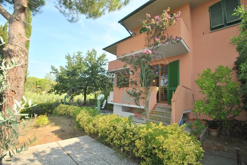 Castiglioncello   terraced house with garden in a hilly area