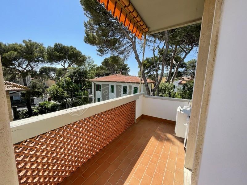 Castiglioncello  Appartamento con balcone  a 150 metri dal mare