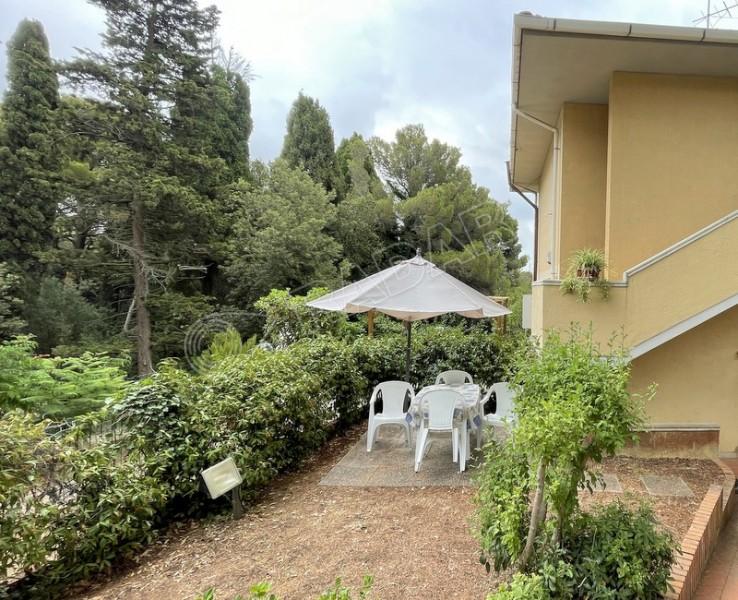 Castiglioncello  Monolocale con giardino a 650 metri dal mare