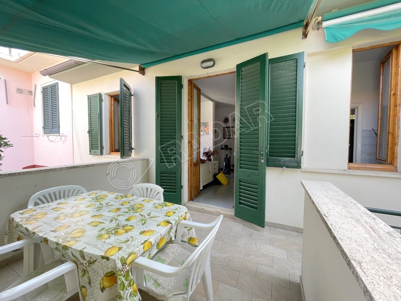 Castiglioncello  Appartamento con terrazza a 50 meri dal mare