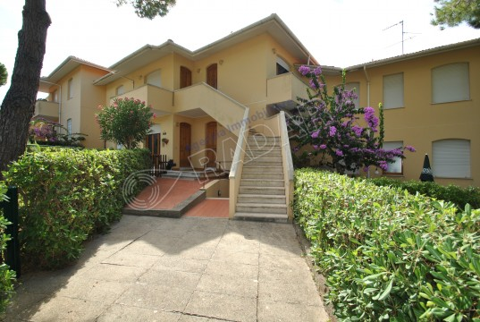 with garden on the first floor,600 meters from the sea