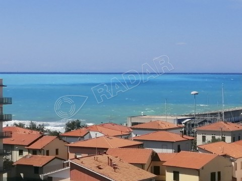 with 3 bedrooms,two bathrooms,balcony with sea view